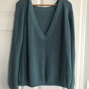 Lulu's deep V back sweater in light teal ✨ Small
